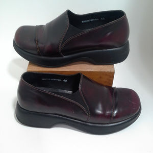 Dansko Size 40 Oxblood Red brown Leather upper